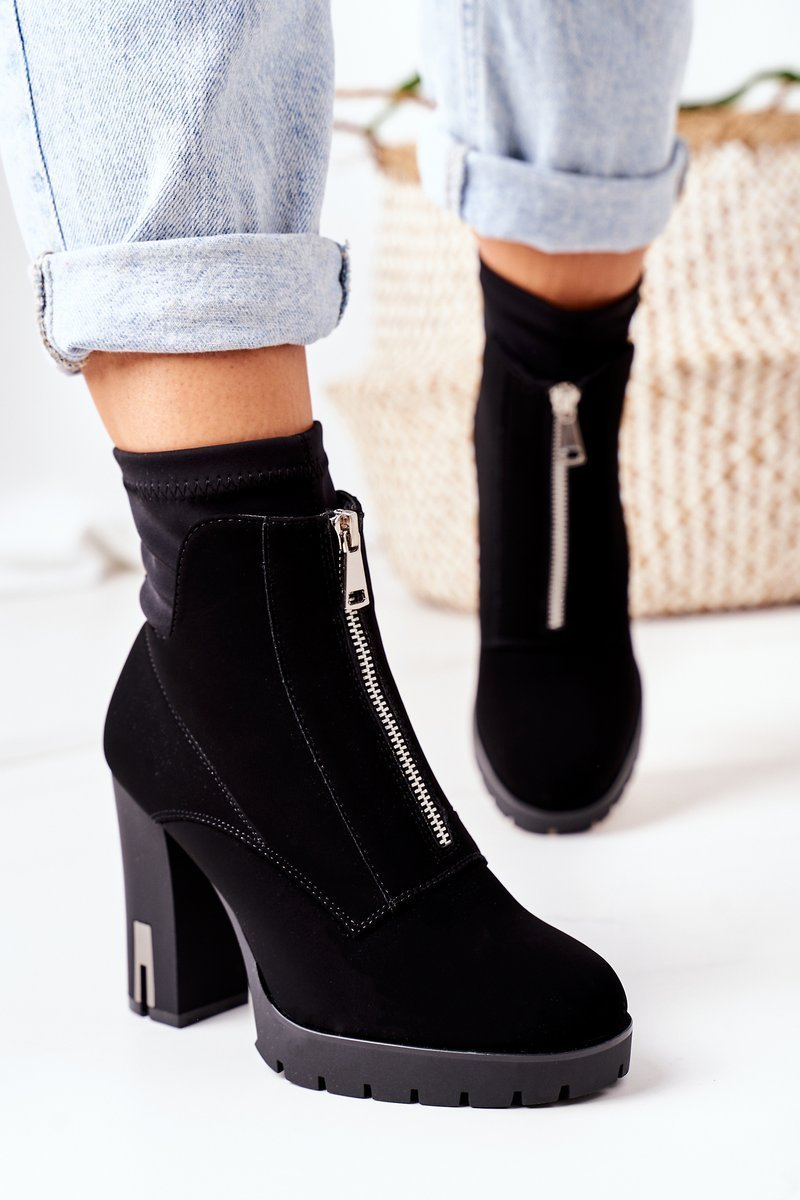 Insulated Boots On A Block Heel Black Wonder Woman