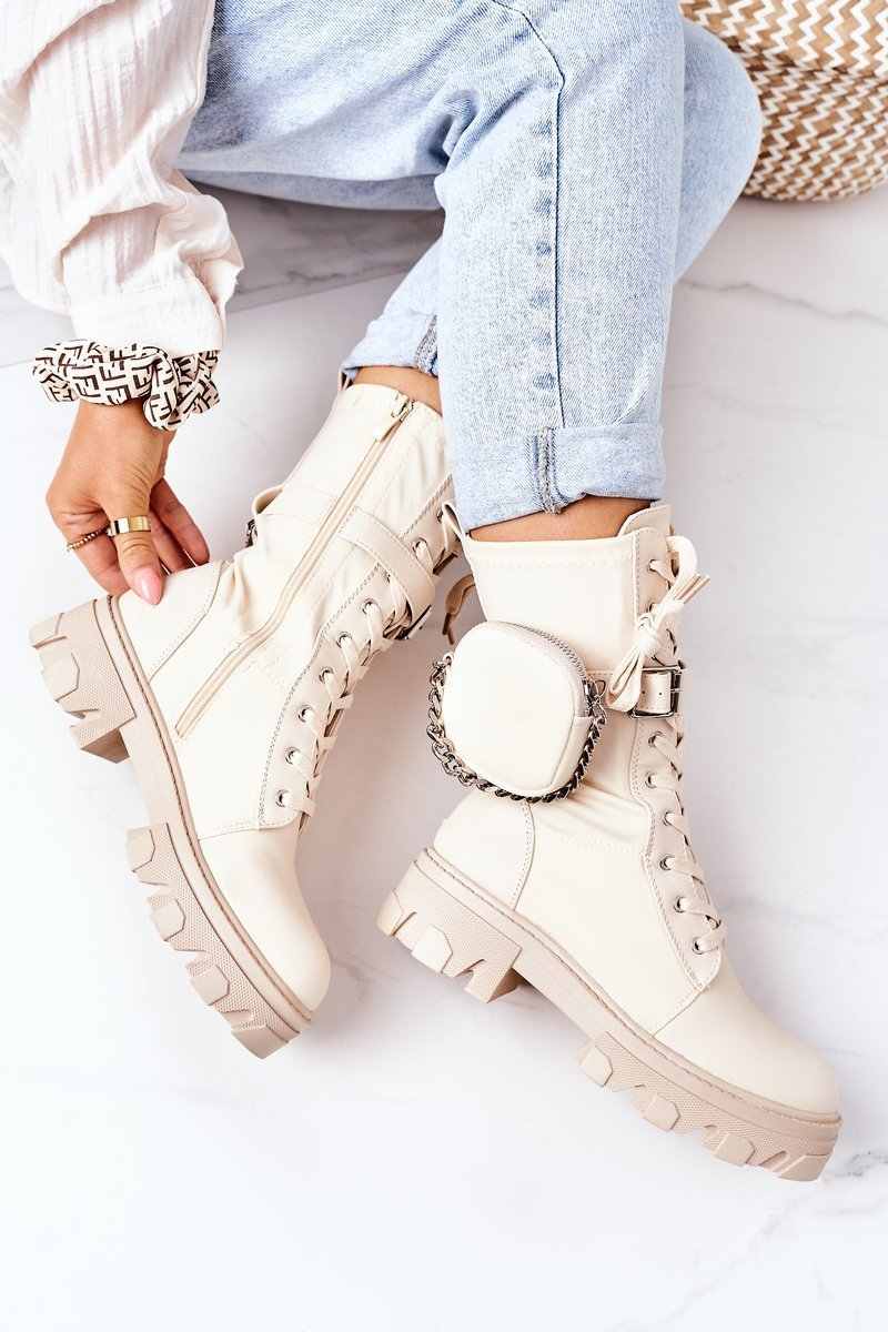 Insulated Boots With A Purse Beige Look At Me