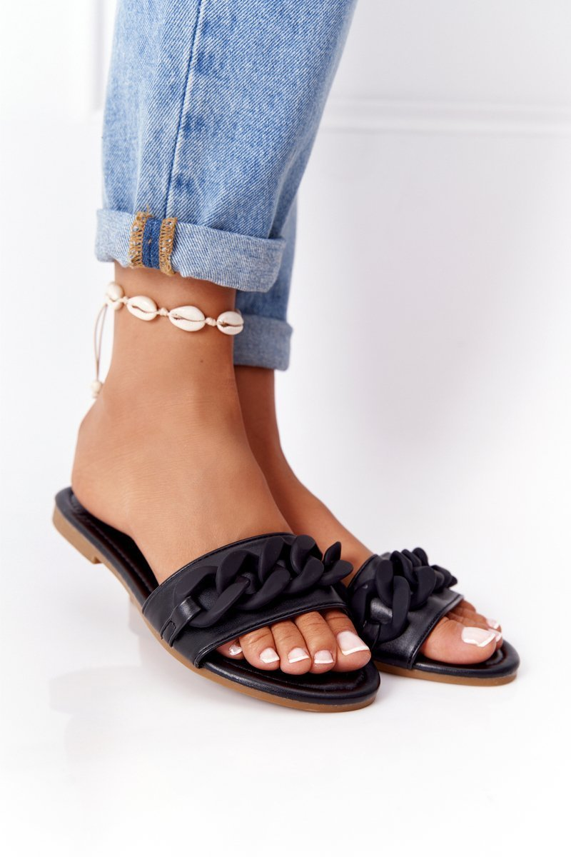 Leather Slippers With A Chain Black Step By Step