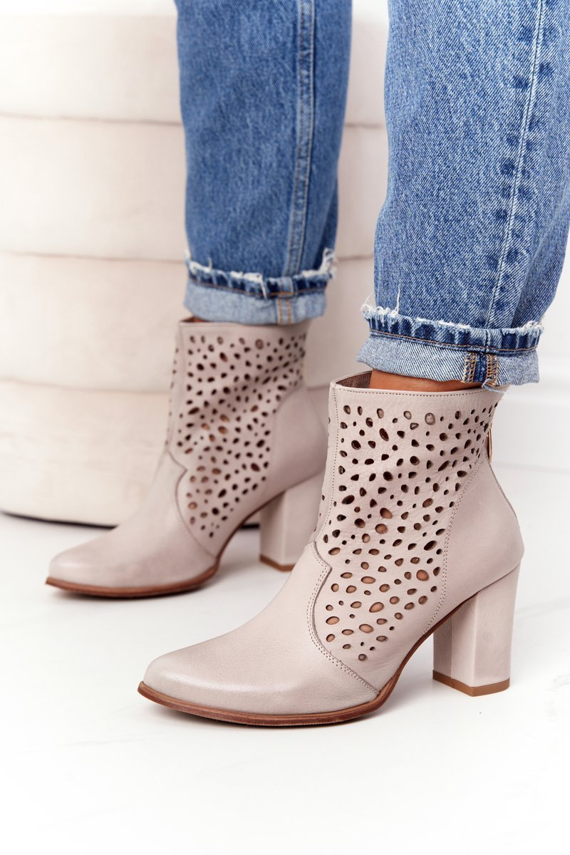 Openwork Leather Boots On A Post Exquisite 1219 Cappuccino
