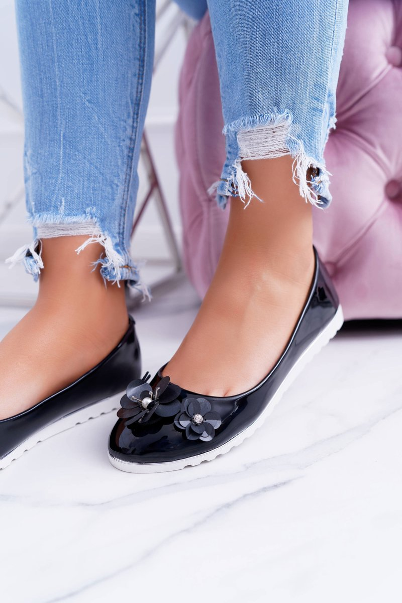 Vices   Lacquered Black Women's Ballerinas With Flower Neli