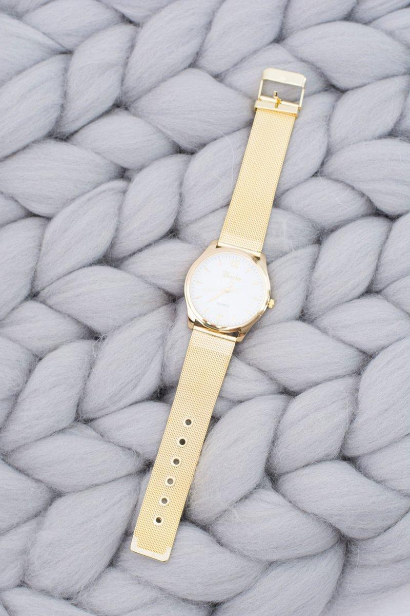 Women's Golden Stylish Watch with Bracelet